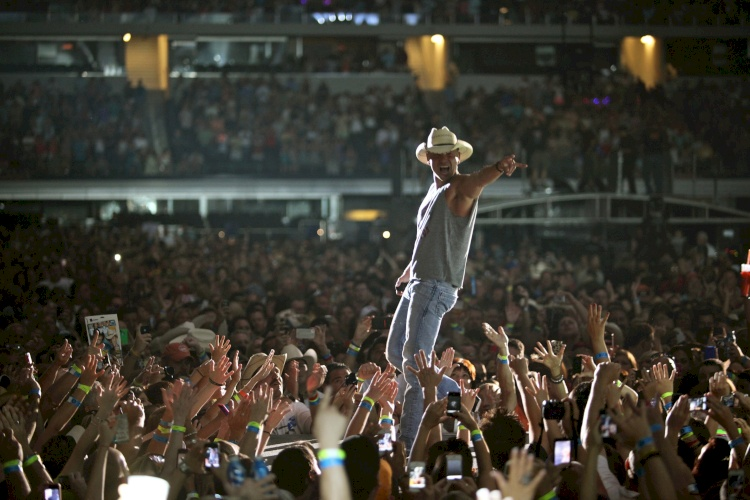 Kenny Chesney to open Tower Amphitheater at Circuit of The Americas
